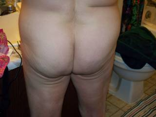 Spread those sexy cheeks, so I can sniff, lick & stick
