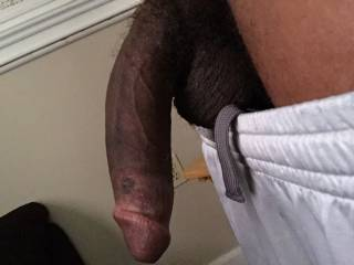 So im new and very curious about big cocks Bwc and Bbc this pic just shows a type of cocks(big cocks,what I would want to be my first cock is bbc) that I want behind me as I bent over. But nonetheless ill take a cock no matter race,size or age.