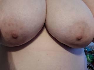 Love sucking on those big nipples.
