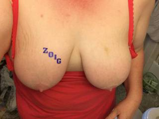 More of ur gorgeous tits and hard nipples makes me want more.......more cum to spray all over ur boobs Mmmmmmm ur making me want to go to ur house and feed you cock for a week 😆