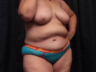 Just a perfect body, those large hanging breasts,soft fleshy belly and big thick legs are all amazing , thankyou for giving me so much enjoyment