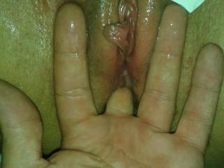 i love fingers in my shaved pussy i love squirt