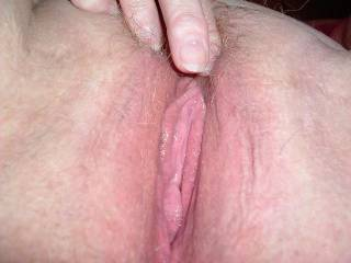 Very nice lips, would love to gently suck them into my mouth