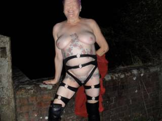 hi all well back in lockdown cant go out during the day, what is a girl meant to do to get a little exercise but go for a walk at night. dirty comments welcome mature couple