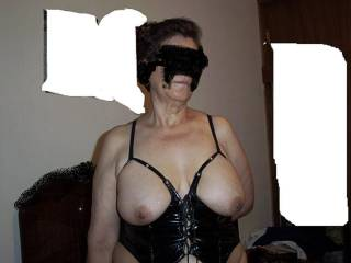 Can I suck your sweet biggg mature tits and then have a nice slow fuck with you,,,looking great for sum adult fun!