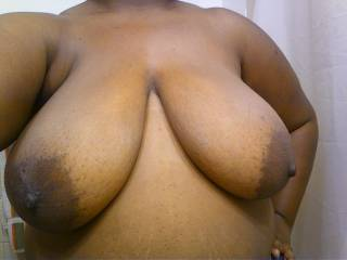 beautiful titties.....sure would love them in my face!