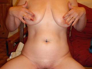 having a little fun playing with my nipples in zoig chat, well my hands are full - will you take care of the rest of me?