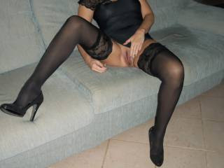 open pussy and stockings, don't get any better, may I cum play???