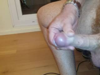 great  cock and balls     love to   taste    your cum  would yu  cum in my  mooth
