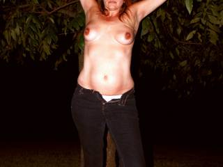 I just Love a woman who enjoys being naked outside!! Now if only you were a neighbor! !