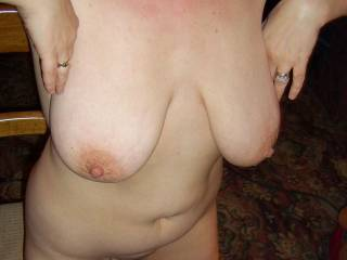 horny in ZOIG CHAT...nipples pointing, pussy getting wetter by the minute....Who will join us in the chatroom?