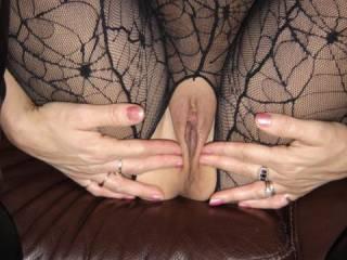 Oooooooooooohhhhhhh yeeeeeeesssssss, and spread Wide those Legs !!!