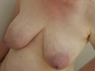 Can\'t stop taking pictures of her beautiful breasts