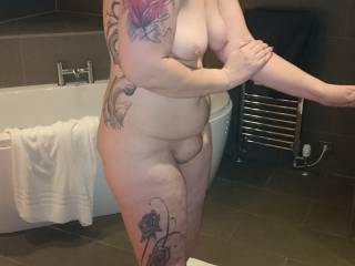 Love her body, adore her titties, am fond of her mound...