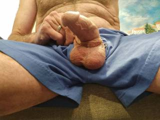 So ready for the ladies of Zoig! The missus went out for lunch so I got rock hard looking at the sexy women at Zoig (You know who you are!). Anyone want a thick and meaty cock?