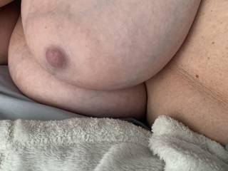 I luv her nipples!