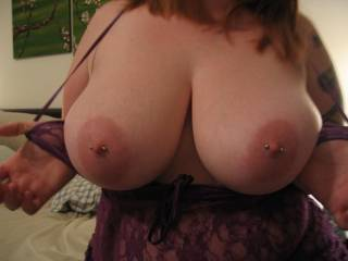 i love showing my titts
