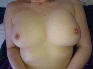 Having my nipples sucked makes me squirt. Help needed!