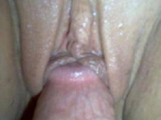 Great close up shot. Luv to lick that delicious pussy at the same time.Mmmmmmmmmm