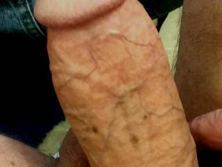 My cock up hard and up close🍆