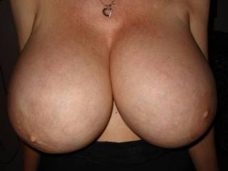 those r the best tits on zoig (if they're real) unbelievable mass and so perky! they should be at her belly button at that size