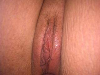 Mmmmmmmmmmm love the taste of sweet pink center!  Love to join you for some weekly/monthly wicked 3some fun!!!!