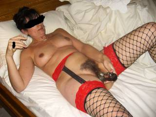 55unaware wife loves a Good dildo or vibrator.