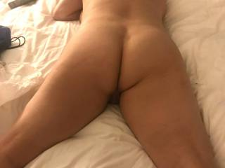 she\'s waiting for some local bull\'s....who wants to cum fuck my wife.......