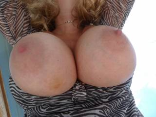 she loves her big tits out of her bra and dress b4 work