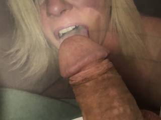 I would love to feel the warm tongue of Dazzkazz licking my mature cock