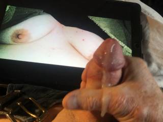 Love the feel of hot jizz flowing over my hand.
