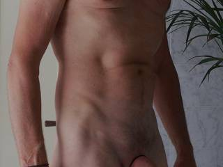 o am so horny looking for a sexy girl to have fun for ..............