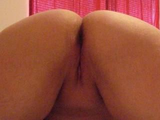 mmmm nice and smooth, I would love to slide my erect cock in there