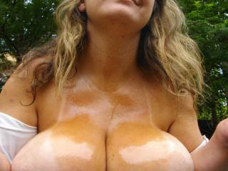 mmmmmm...I'd like to pull off a load over your tits, I'd like to suck those nipples too :p