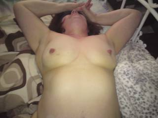 Yes Yes would love to feel those gorgeous tits