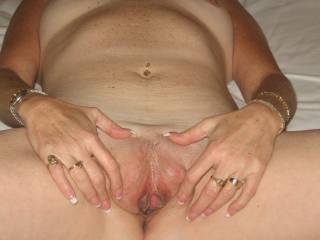 MMMMMMMM Love to Very Sexy Love to get a pice of that action me and Nikki could have lots of funwith you