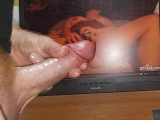 Watching tastyrenea toy fuck her wet open pussy while watching a cum tribute video made me stroke good! Would love to see her fuck her pussy watching me cum for her!