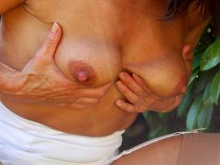 wow nice, love to see a up close and just sucked on posting. great nipples for sucking on