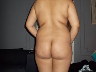 Id be happy to tap that  ass.  Never had indian pussy.