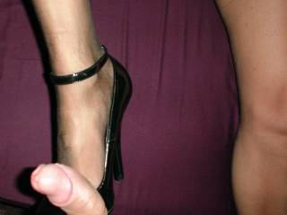 mmmm...without shoes...in nylons