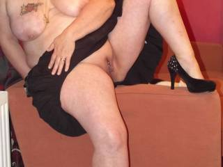 like the pose, photo shoot must have been fun, nice to tease and get turned on so you have a hot session after it