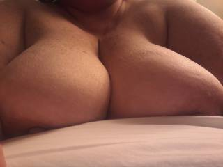 saggy titts