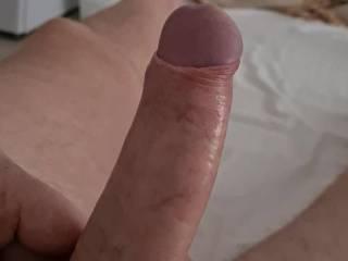 I do love to slowly pull my foreskin back exposing my sensitive head.....who wants to lick n suck me mmmmmmmm