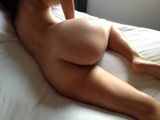 Fantastic figure, certainly a picture to keep forever. Damn I would marry that ass tomorrow!! ;-)