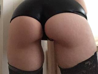Wanna spank my sweet ass in my new hot pants?