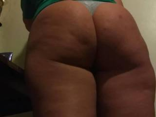 A High Definition & upclose look at Melissa\'s beautiful big ass while she gets ready for bed. Enjoy! From 9-24-2018 around 9pm.