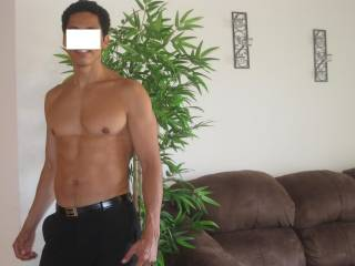 Hi, I am 6 ft professional tall latin male, athletic, D/D free, clean, outgoing, healthy and a lot of fun, I am looking for a woman for friendship, and have fun