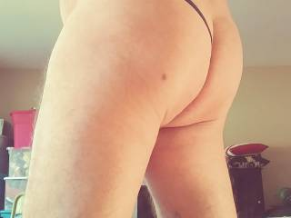 Half jock/thong rear view. Now take your hand and feel it go around!!