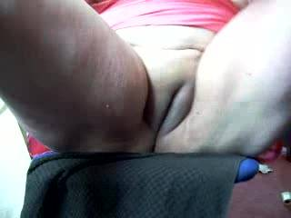 What a wonderful bare pussy, Oh if I could lick it for a hour or more.