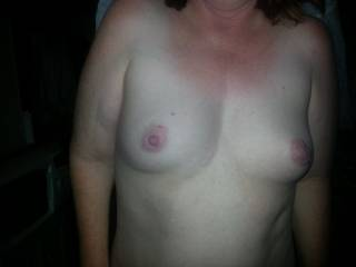 love to rub my knob all over them .... cover them in precum ..... suck them ... lick them .... mmmm you have gorgeous tits .....